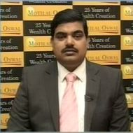 Remain bearish on gold & silver: Motilal Oswal