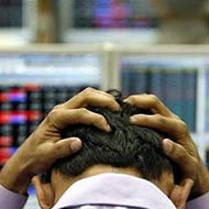 Late sell-off drags Nifty below 7750; Re ends at 3-mnth low
