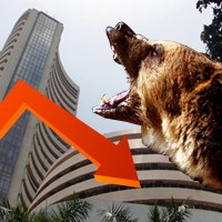 Sensex falls 323 pts, Fed eyed; midcap snaps 11-day gains
