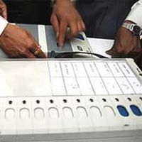 Live: Mumbai disappoints; only 17% turnout so far