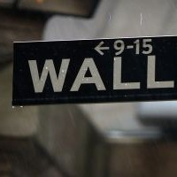 Wall Street loses ground as Ukraine crisis deepens